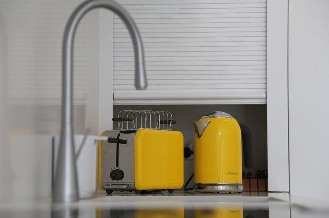 Modern Kitchen by AN Builders Pty Ltd