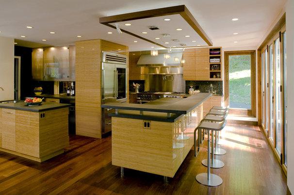 Modern Kitchen by Fivecat Studio   Architecture