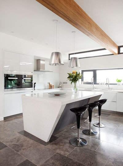 Contemporary Kitchen by Canavan Interiors