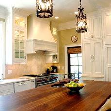 Traditional Kitchen by Phoenix Renovations
