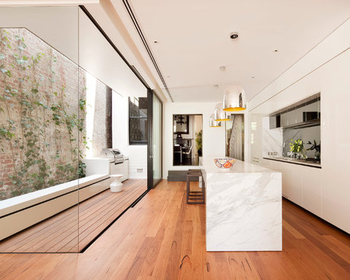 White Marble Island Home Design Ideas, Pictures, Remodel and Decor