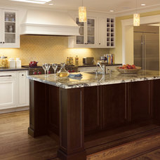 Traditional Kitchen by Mascheroni Construction
