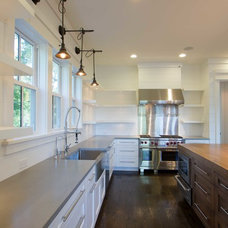 Transitional Kitchen by plantation building corp