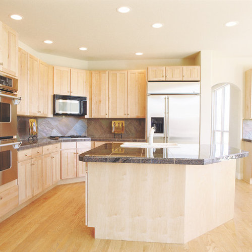Charming Example Of A Classic Kitchen Design In Denver