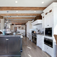 traditional kitchen by James Glover Residential & Interior Design