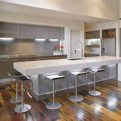 modern kitchen by Mal Corboy Design and Cabinets
