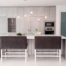 Contemporary Kitchen by The Cross Design