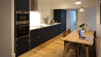 Matt linoleum fronted kitchen in smokey blue