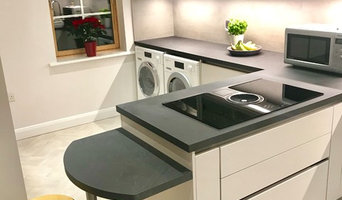 Matt Satin Grey handle-less kitchen with Slate Grey worktops