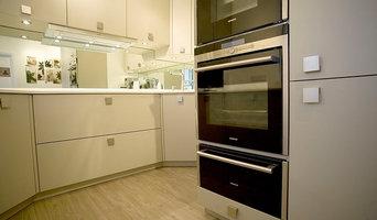 Matt White Handled Kitchen