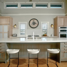 Tropical Kitchen by Heffel Balagno Design Consultants