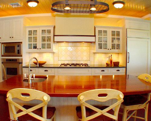 kolonialstil k chen mit k chenr ckwand in gelb ideen. Black Bedroom Furniture Sets. Home Design Ideas