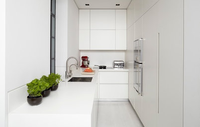 U-Shaped Kitchens That Make the Most of Their Compact Quarters