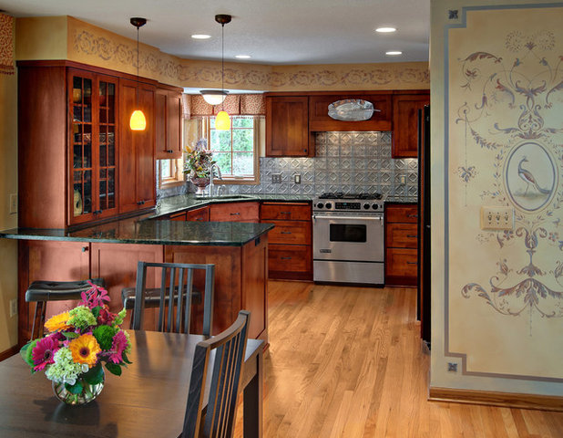 Traditional Kitchen by Murphy Bros. Design | Build | Remodel