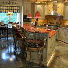 Traditional Kitchen by SEABOARD | Millwork & Fine Cabinetry