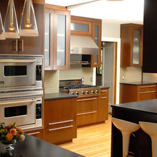 Kitchen by WoodWorks INC.