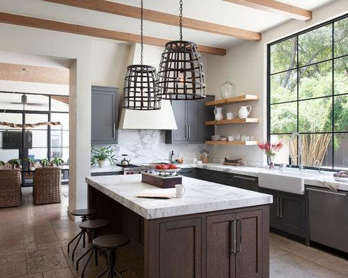cuisine m diterran enne avec un sol en travertin photos et id es d co de cuisines. Black Bedroom Furniture Sets. Home Design Ideas