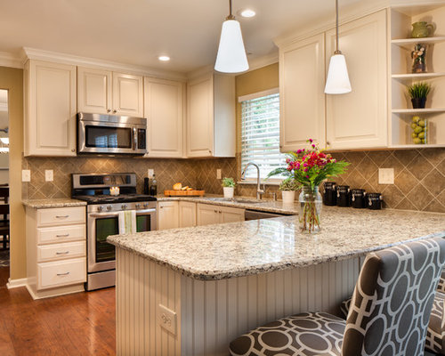 Small eat in kitchen design ideas remodel pictures houzz for Small eat in kitchen designs