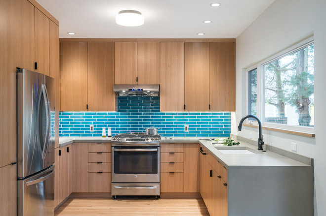 Contemporary Kitchen by ReCraft