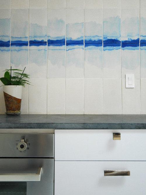 Simple White Kitchen | Houzz