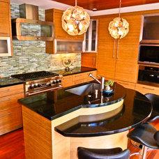 Contemporary Kitchen by Sennikoff Architects