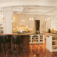 Traditional Kitchen by McKay Architects
