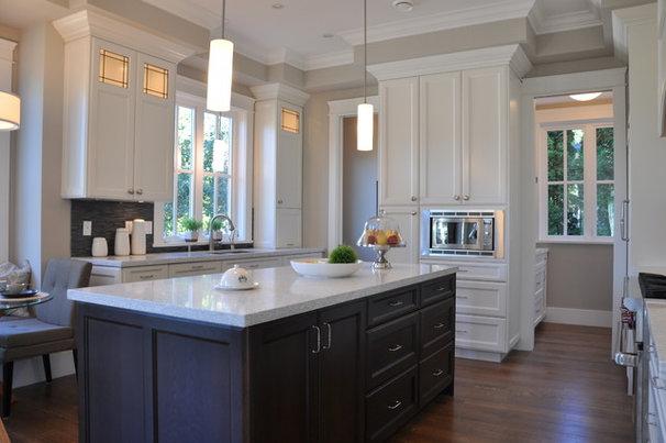 Traditional Kitchen by Paradigm Kitchen Design