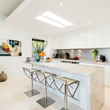 Contemporary Kitchen by Lime Interiors Pty Ltd