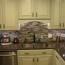 Traditional Kitchen by Randy Stein (Lowe's Home Improvement)