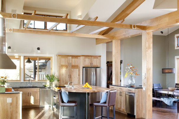 Transitional Kitchen by Lawrence and Gomez Architects