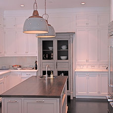 Traditional Kitchen by Trinity Builders & Co. Inc.