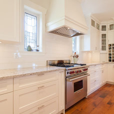 Craftsman Kitchen by Kenorah Design + Build Ltd.