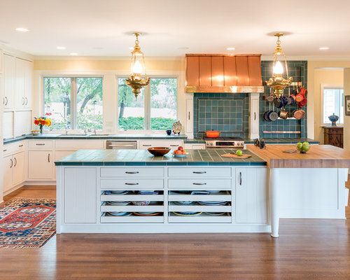 Traditional eat in kitchen with tile countertops design for Carrelage 120x60