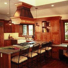 Traditional Kitchen by David Vandervort Architects