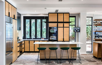 Room of the Week: A Bar Takes Centrestage in an Art Deco Kitchen