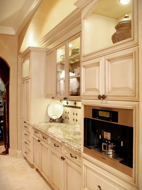 example of a tuscan kitchen design in cleveland