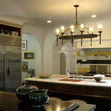 Mediterranean Kitchen by Tommy Chambers Interiors, Inc.