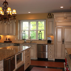 mediterranean kitchen by Design By Isabel