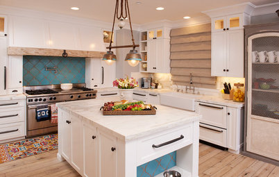 Kitchen of the Week: Turquoise Tile and a Dining Nook for 16