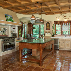 Mediterranean Kitchen by LUXURY,FARM,RANCH & LAND GROUP
