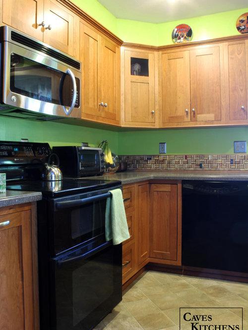 Medium cherry transitional kitchen with stove top peninsula - Kitchen peninsula with stove ...