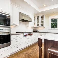Craftsman Kitchen by Studio S Squared Architecture, Inc.