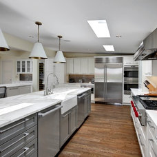 Contemporary Kitchen by COULOIR CONSTRUCTION, LLC