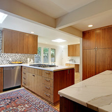 Contemporary Kitchen by Rod Nicholas Finishing Touch