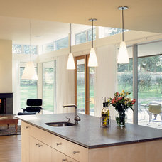 Contemporary Kitchen by Jeff Luth - Soldano Luth Architects