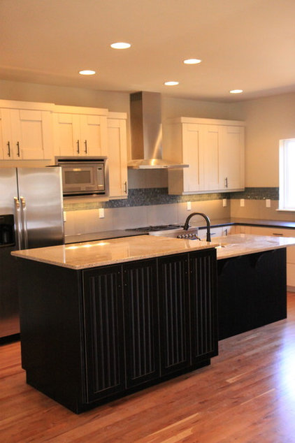 Modern Kitchen by Bungalow House Plans