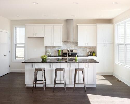 Küchen mit Kalk-Rückwand und Laminat Ideen, Design & Bilder | Houzz
