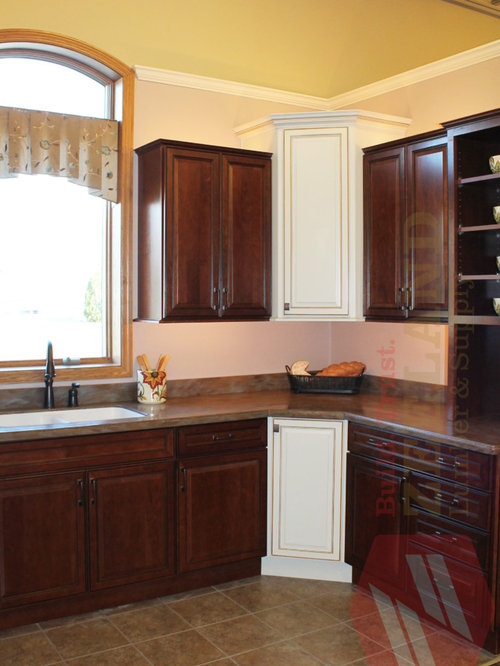 kitchen cabinets zeeland mi merillat kitchen with contrasting cabinets at zeeland 21489