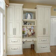Eclectic Kitchen by Kitchens Unlimited- Karen Kassen, CMKBD