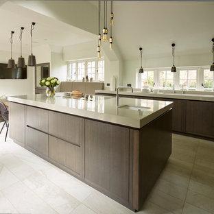 ケントのインダストリアルスタイルのおしゃれなキッチンの写真